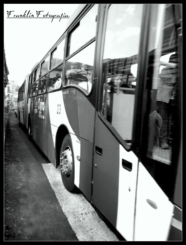 Transporte en Quito - Ecuador. (fek76@hotmail.com) Derechos reservados.