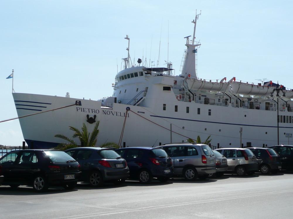 Trapani-PIETRO NOVELLI fährt nach Tunis.... (Hilde weiß bescheid... :-)