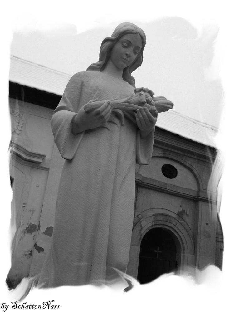 trauernde Statue