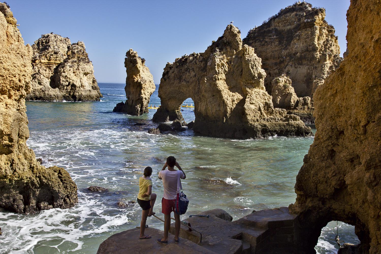 Traumhafte Felsenkulisse (Felsenküste bei Lagos, Algarve)