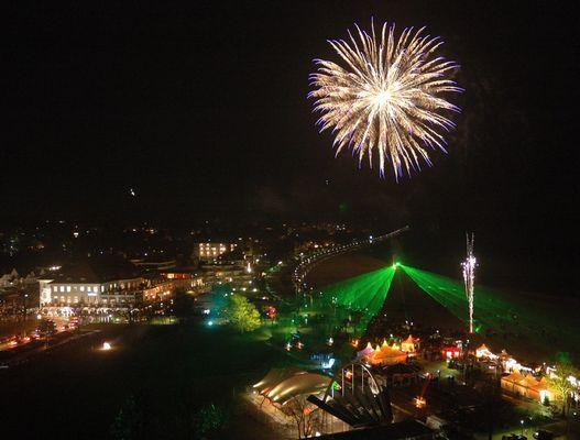 Travemünde - Silvester 2006 - Feuerwerk mit Lasershow