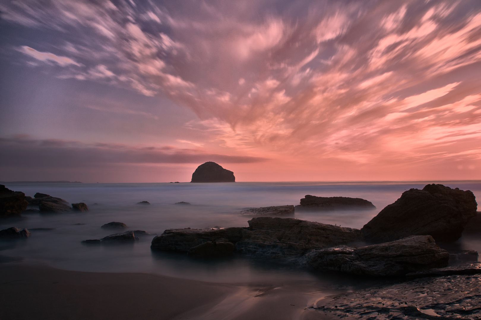 Trebarwith Strand mit Gull Rock