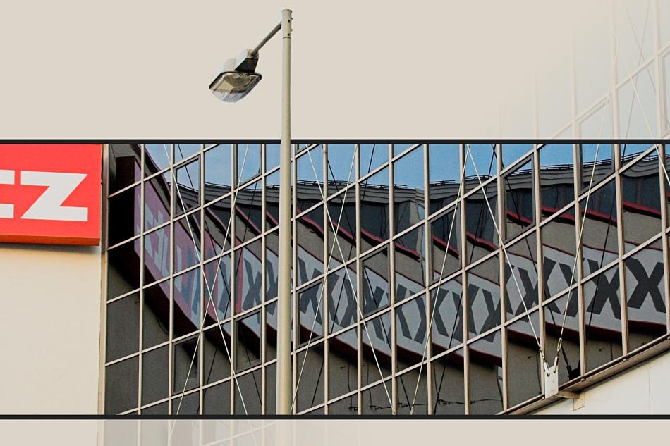Treppchenspiegelung mit Laterne oder '':z >>xxxx