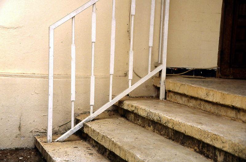 Treppe oder Geländer, was war zuerst da?