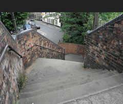 Treppe ohne Rampe