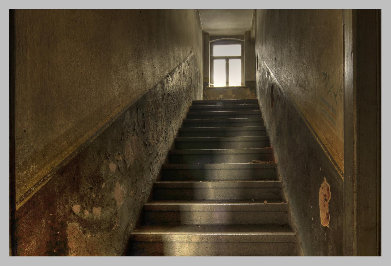 Treppe zum Licht   HDR