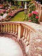 Treppe zum Rosengarten