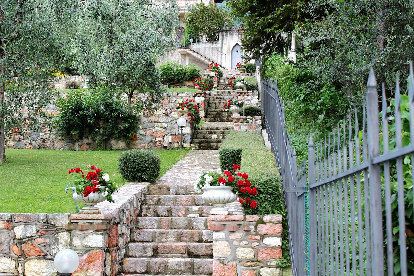 Treppenaufgang zu einer Villa