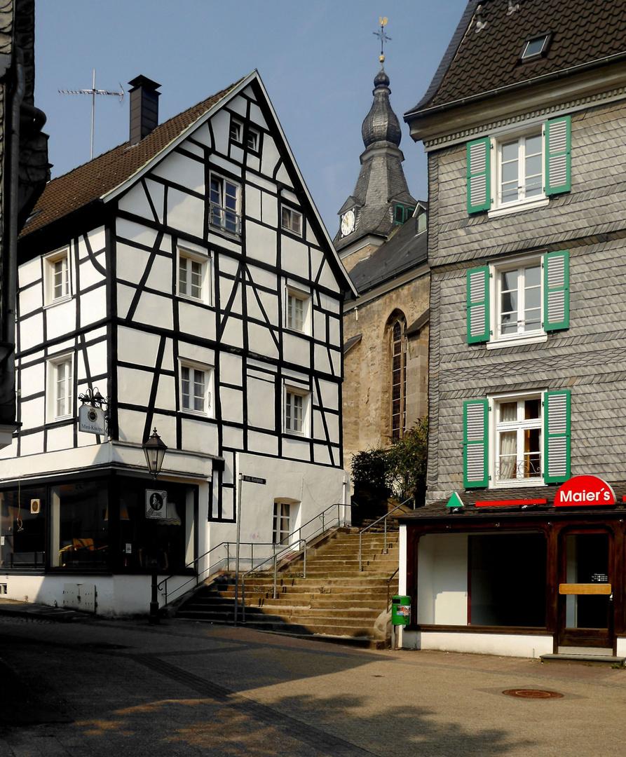 Treppenaufgang zur Evangelischen Kirche in Neviges.