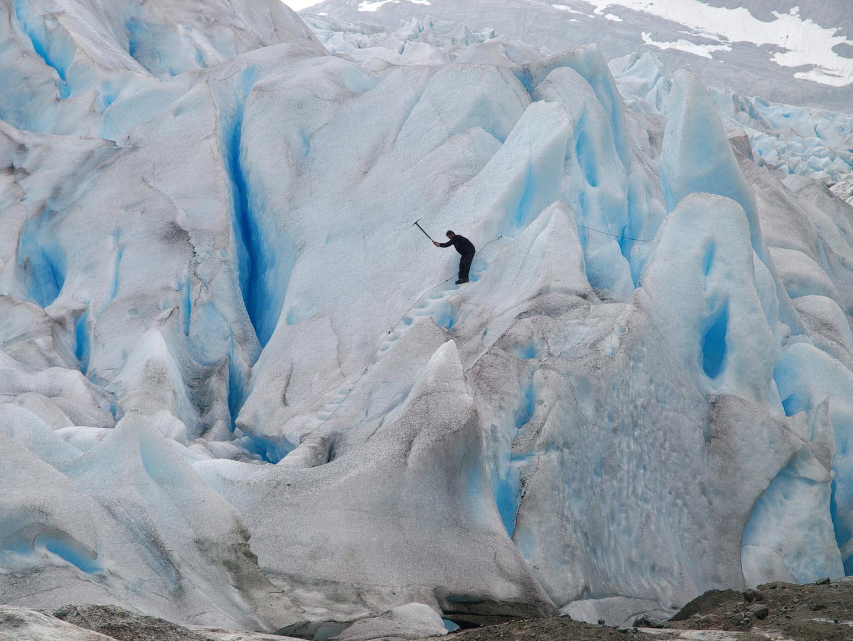 Treppenbau im Gletscher