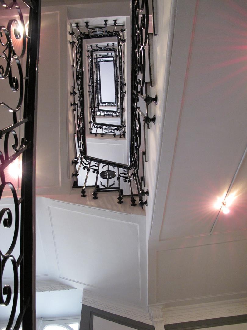 Treppenhaus im Hotel Masséna in NIzza