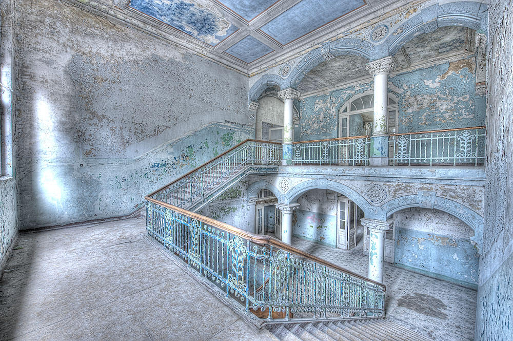 Treppenhaus im Männersanatorium Beelitz