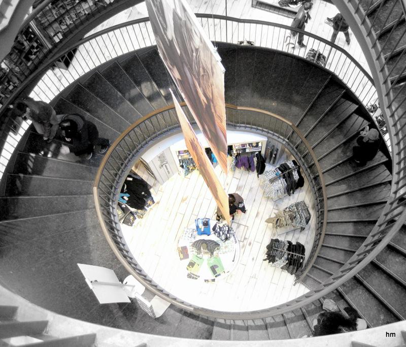 Treppenhaus in einem Modekaufhaus