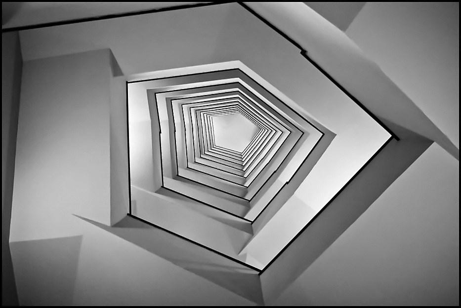 treppenhaus von unten nach oben