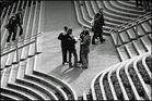Treppenlandschaft mit Menschen