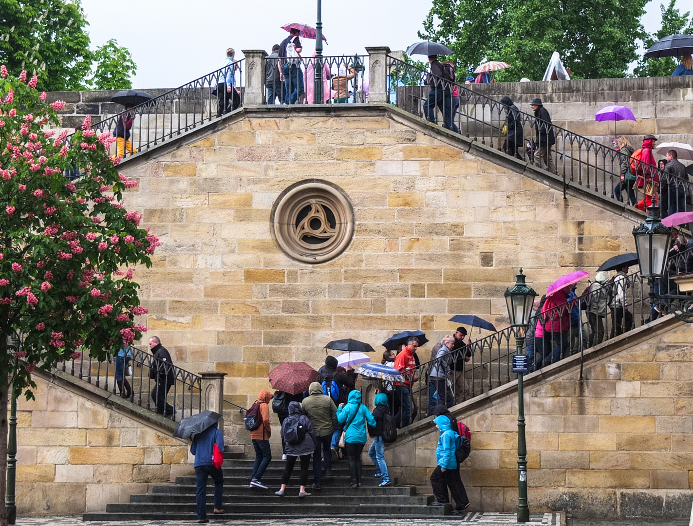 Treppenregenschirme