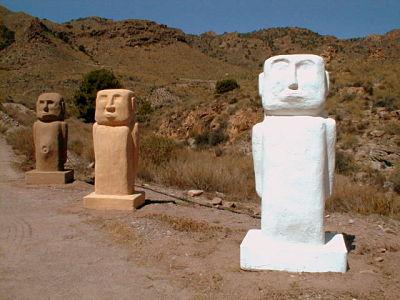 Tres MOAIS