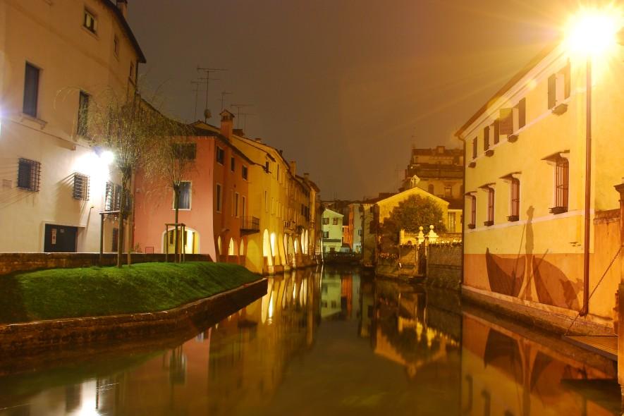 Treviso I Buranelli Di Notte Foto Immagini La Mia