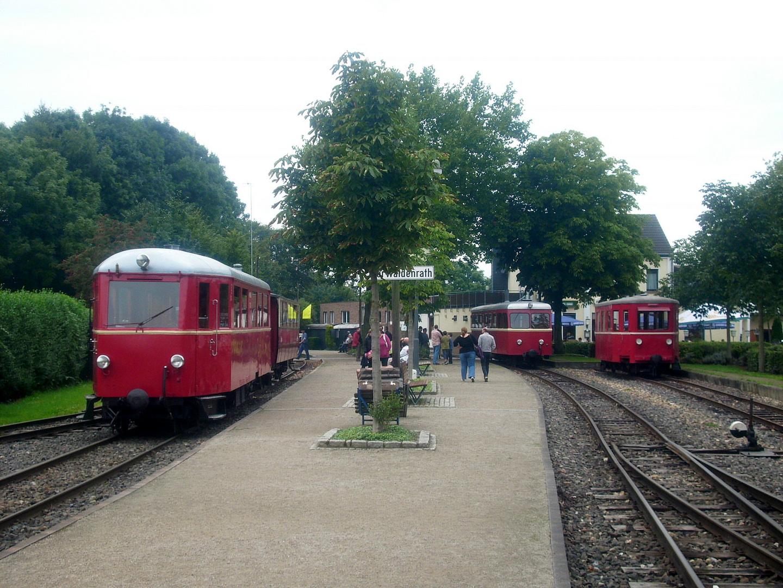 Triebwagenparade in Schierwaldenrath