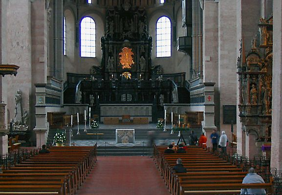 Trierer Dom Altarraum