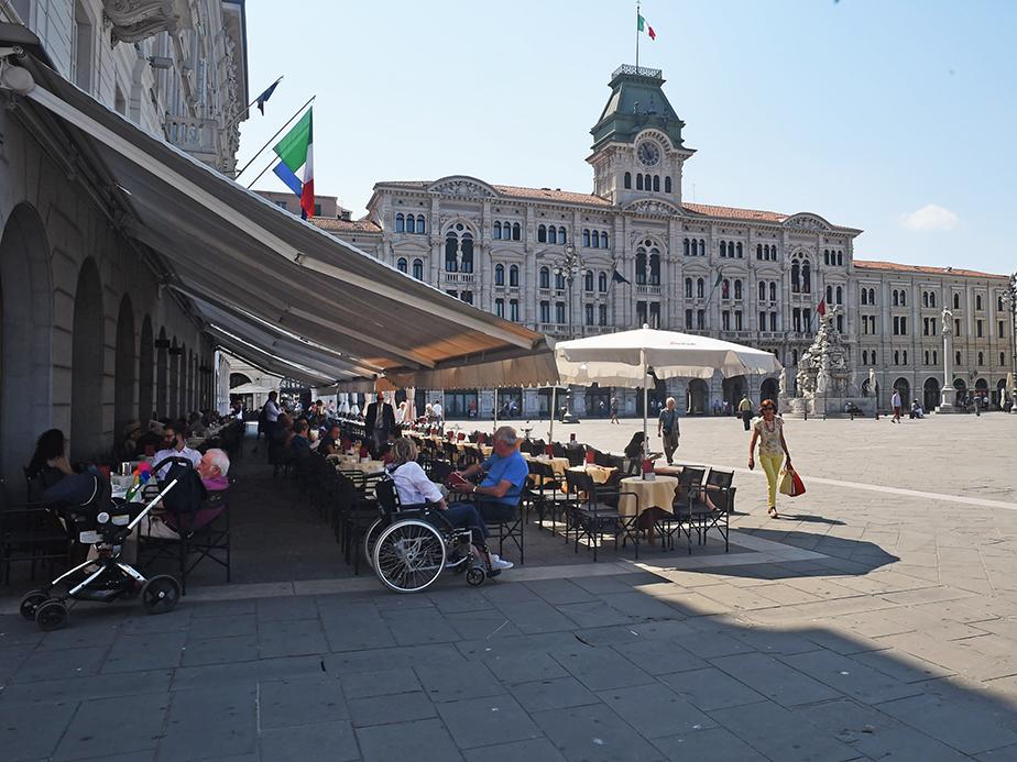 Trieste caffe 39 degli specchi foto immagini europe - Caffe degli specchi ...