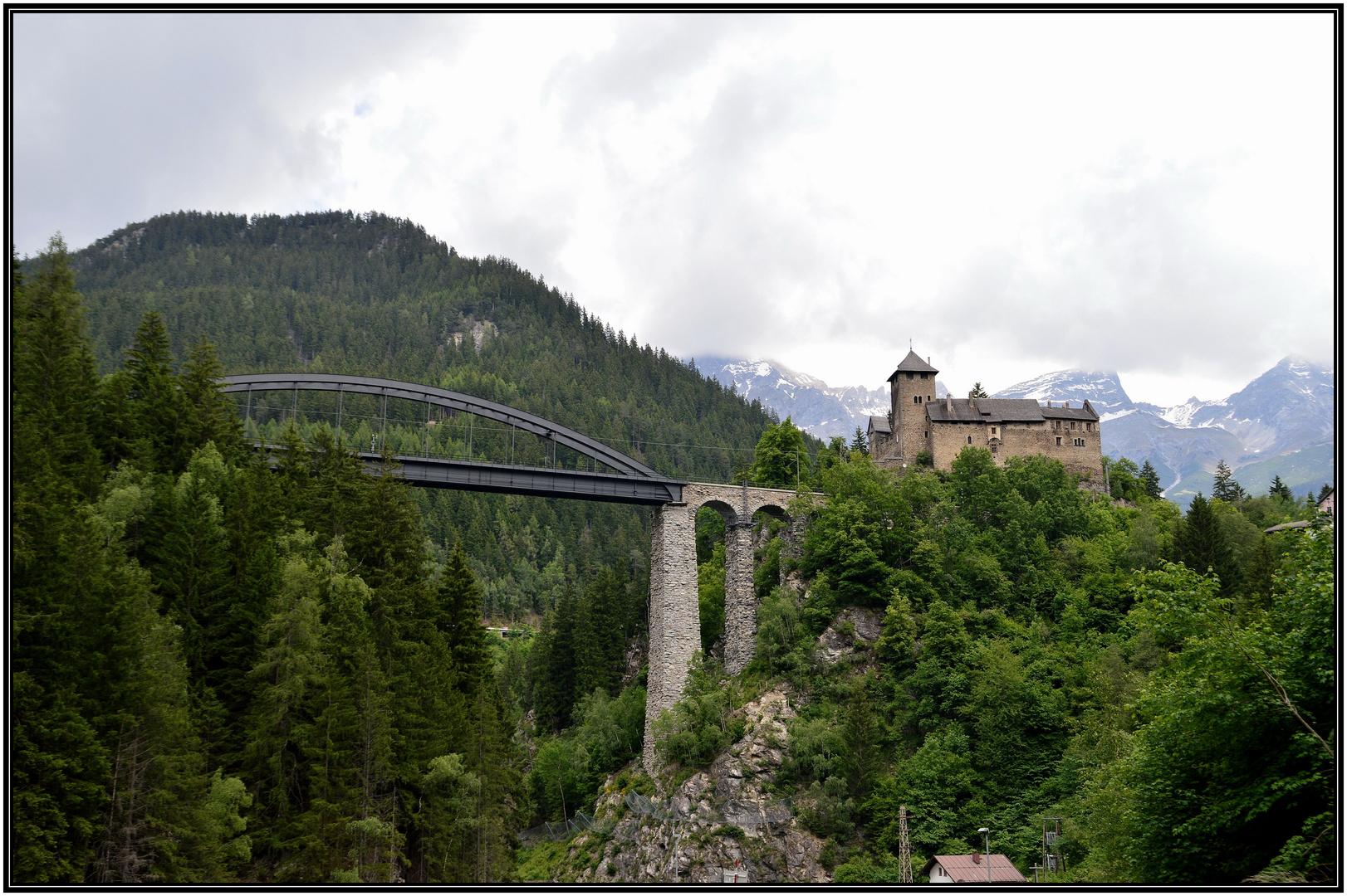Trisannabrücke und Schloss Wiesberg - Tirol