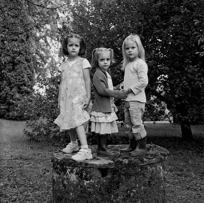 Trois petites filles.