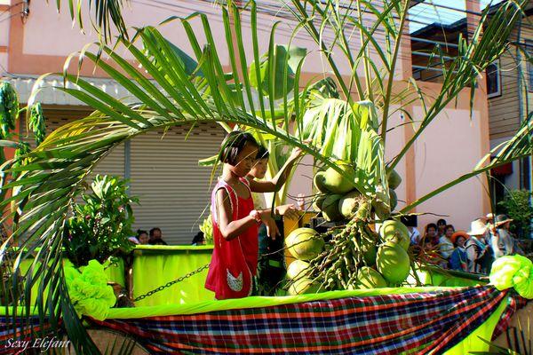 Trommeln auf Kokosnüssen