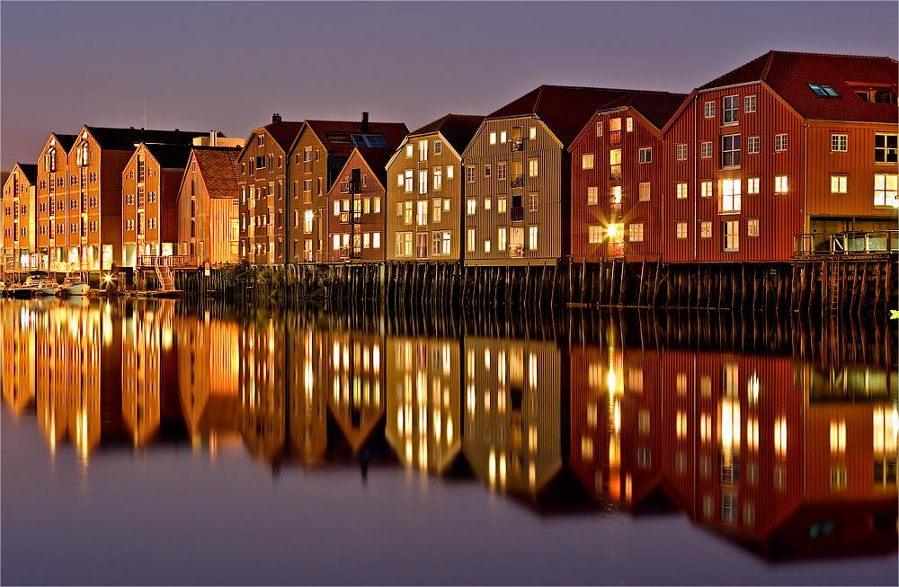 Trondheim, die berühmten Pfahlbauten - Norwegen VII