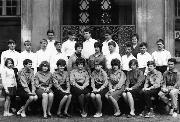 Tropau 1966 / 9 Klasse Haupt und Grundschule (CZ)