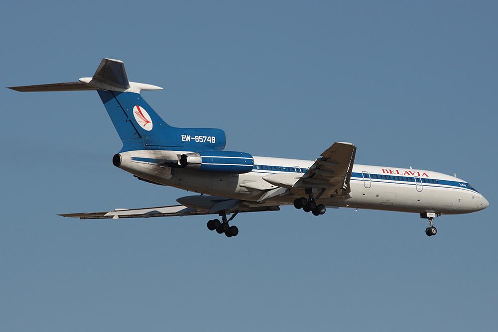 TU-154M Belavia EW-85748