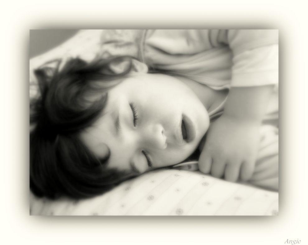 Tu alma de niño,solo descansa ..Para Miq y familia