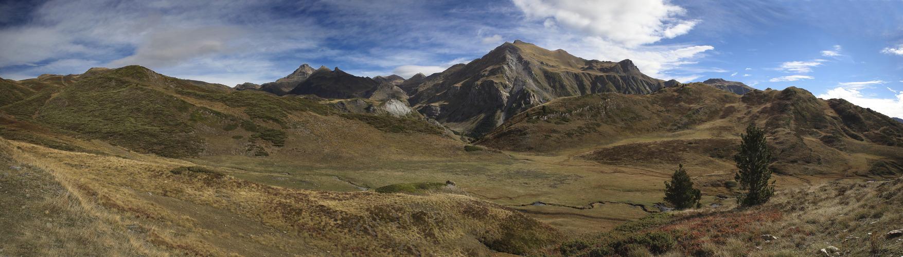 Tuc d'Areno a 2.522 m ( Val d'Aran Lleida Catalunya )