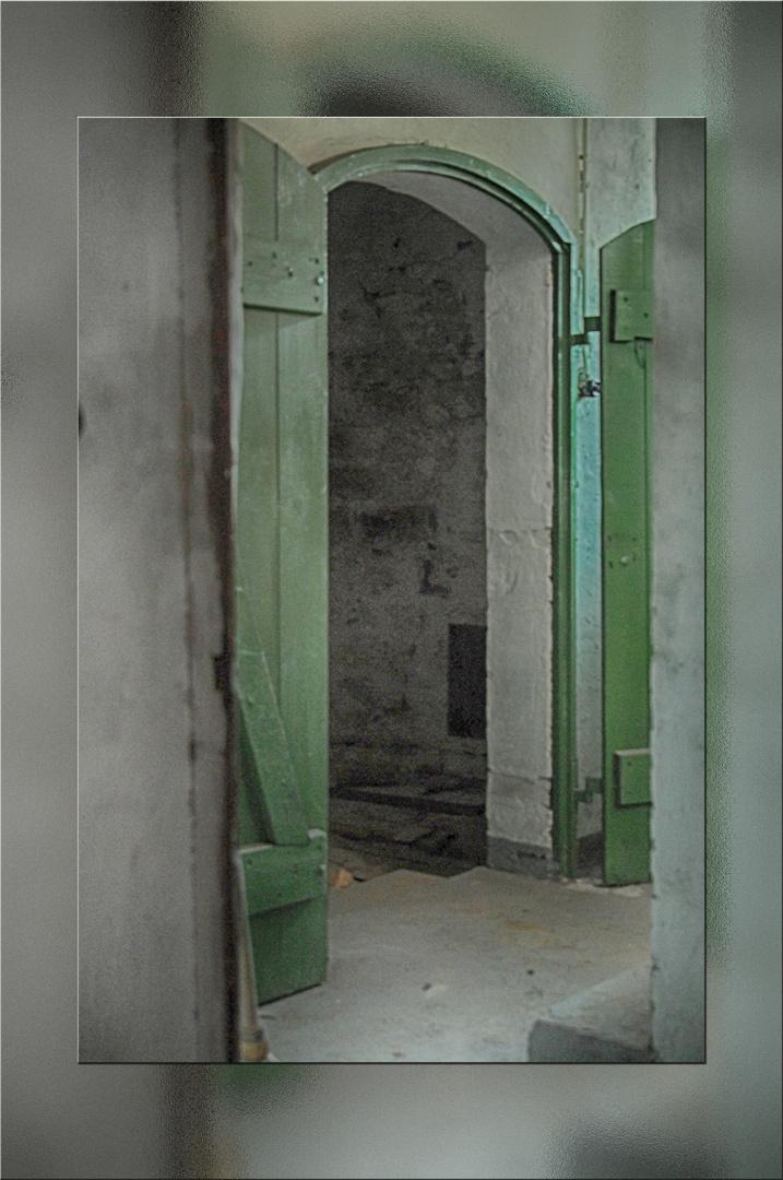 Tür 2