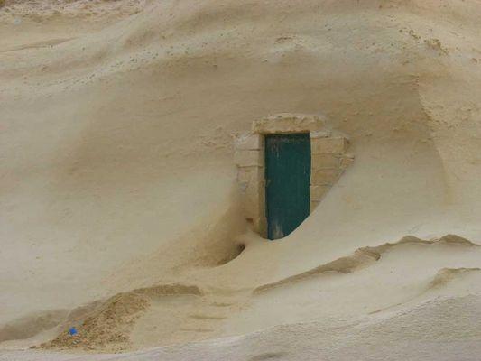 Tür im Fels
