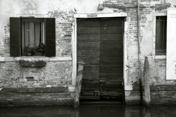 Tür im Wasser