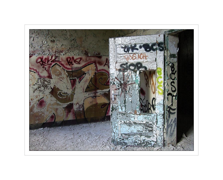 Tür mit Durchblick