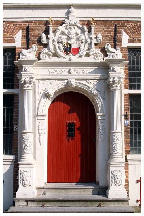 Tür von No 2