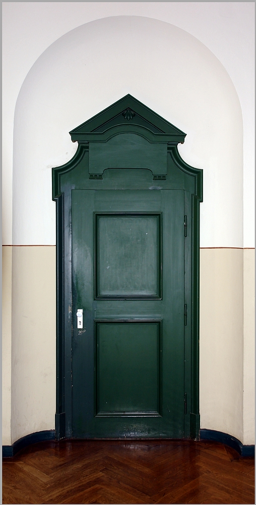 Tür zum .......