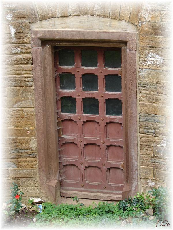 Tür zur Burgfräulein....