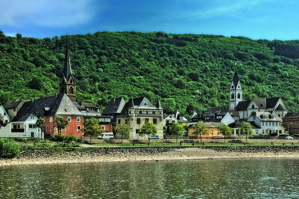 Türme am Rhein _ Kamp Bornhofen