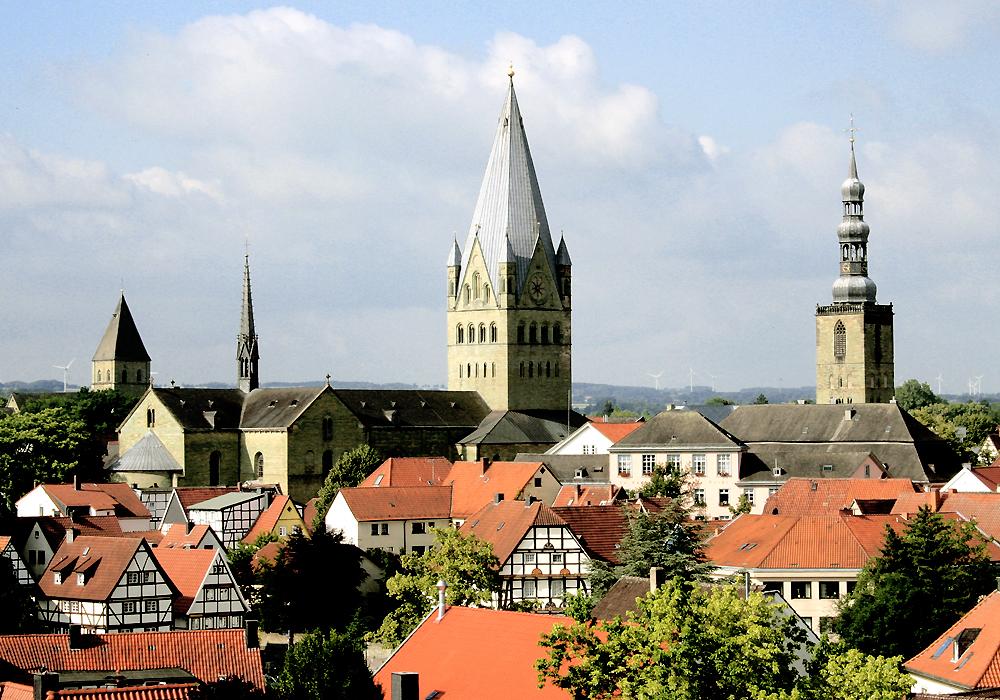 Tuerme über den Daechern der Stadt Soest [1]