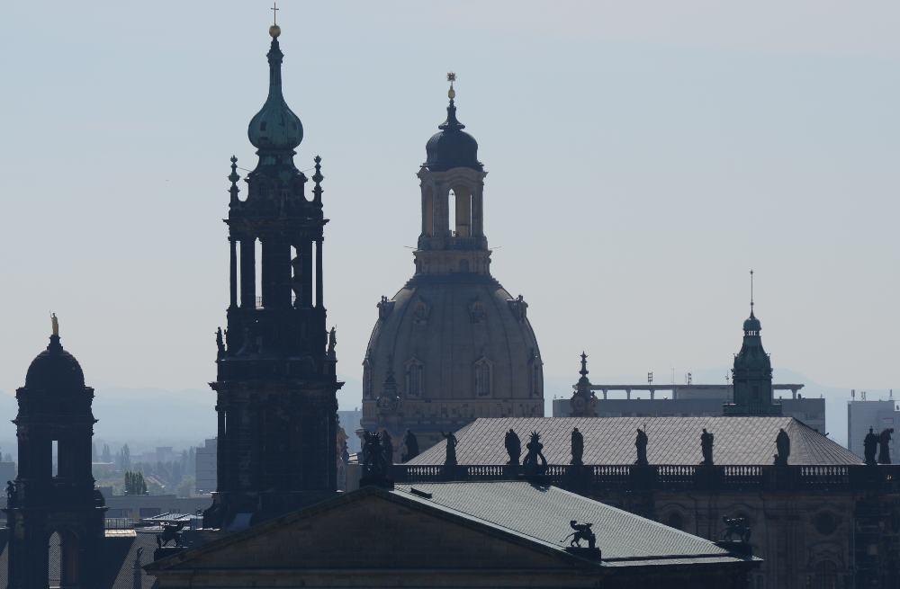 ...Türme und Kuppel im Morgendunst...