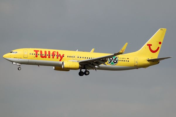TUIfly (Boeing 737-800) D-AHFK