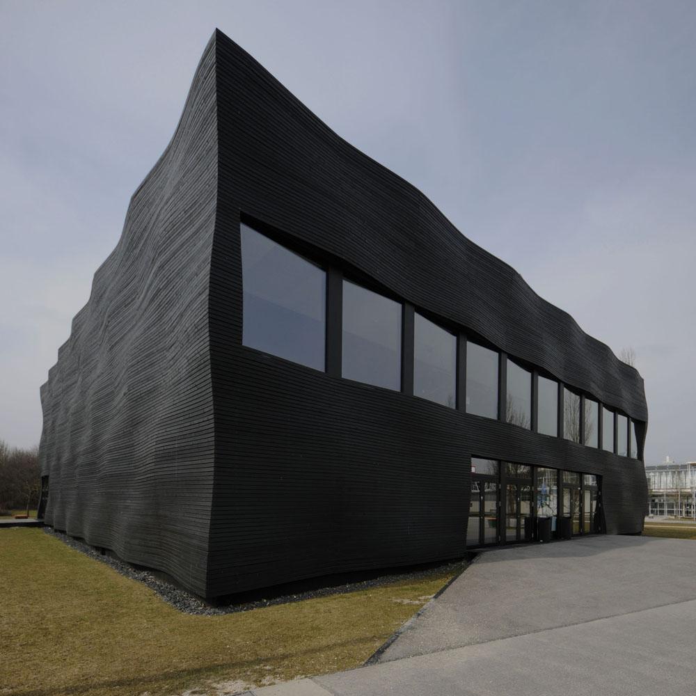 TUM_Garching, Nebengebäude