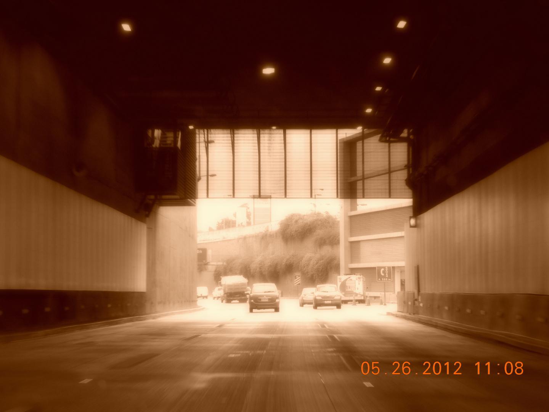 Tunel...