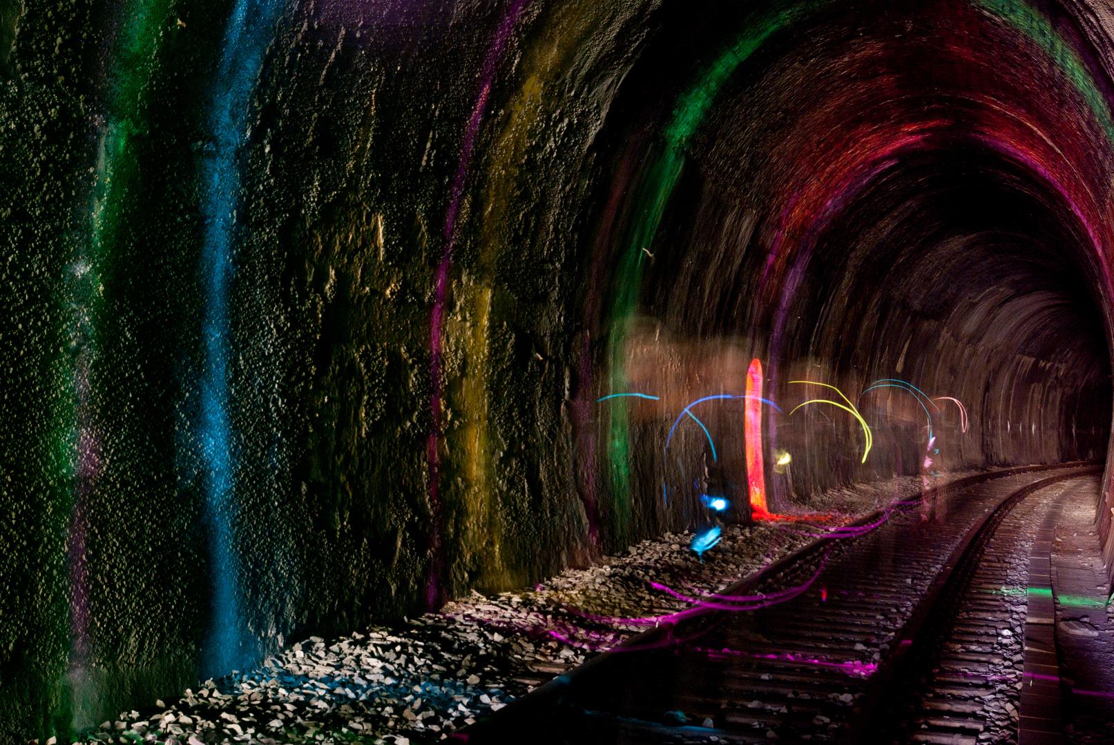 Tunnel illuminiert