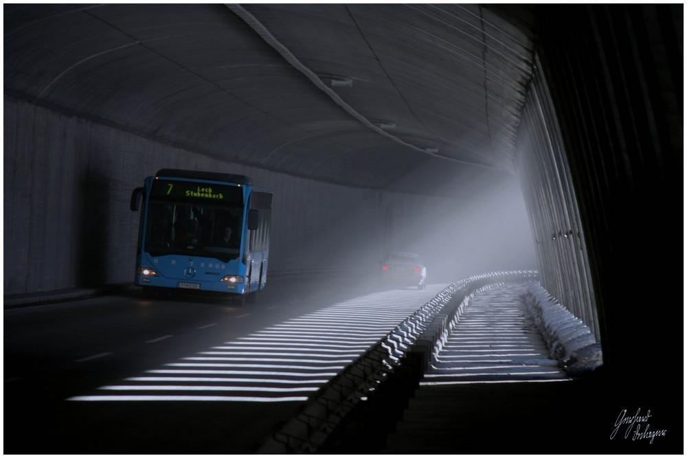 Tunnel - Licht und Dunkel