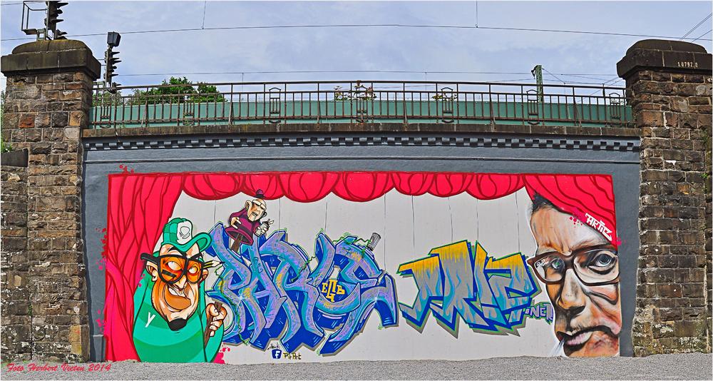 Tunnel-Portal ist Graffiti-Wand