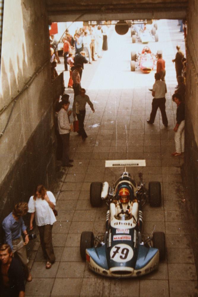 Tunnelblick mal von oben ( Zufahrt Nürburgring aus dem alten Fahrerlager )